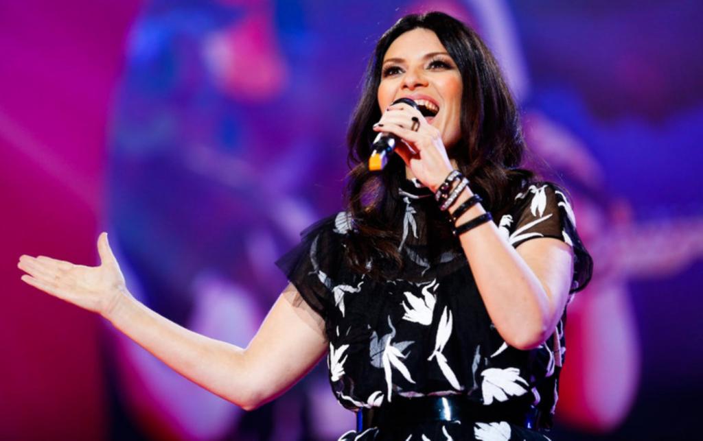 Cantantes Italianos - Laura Pausini Facebook Oficial