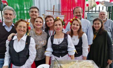sicilia - Integrantes De La Unione Siciliana Del Paraguay En La Fiesta Italiana 2019