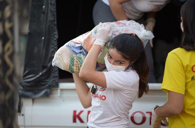 Voluntario - Entrega De Kits De Alimentos