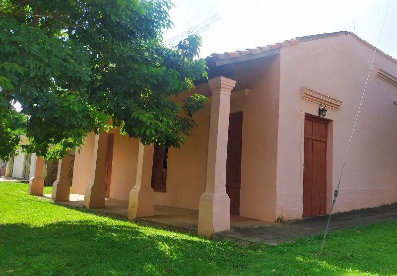 arquitectura de acahay - Una De Las Casonas Antiguas De La Ciudad