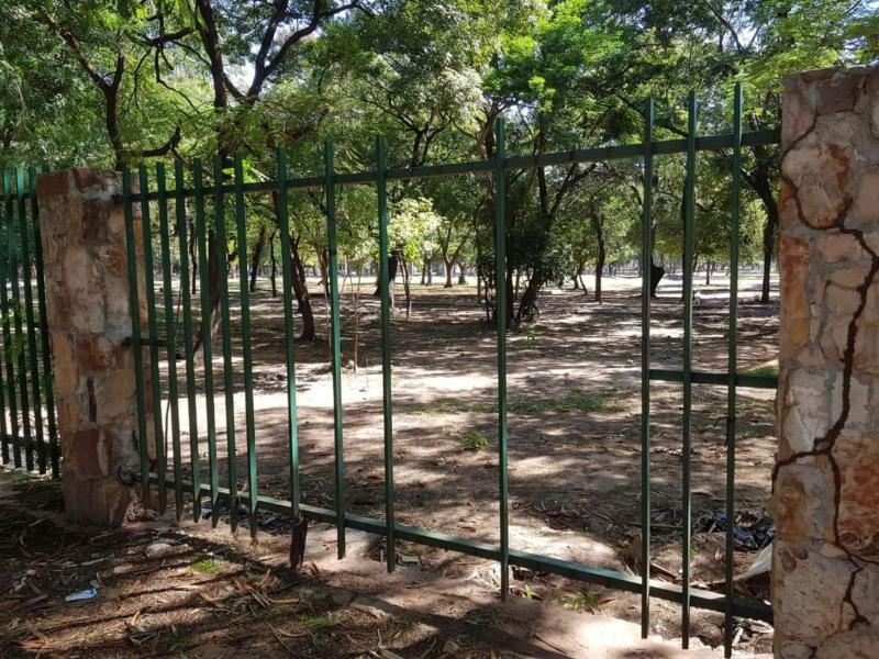 Vallas Del Parque Caballero