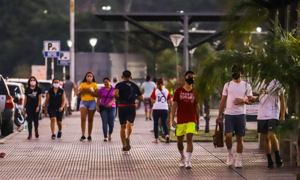 Pandemia en Paraguay - Caminando En La Costanera