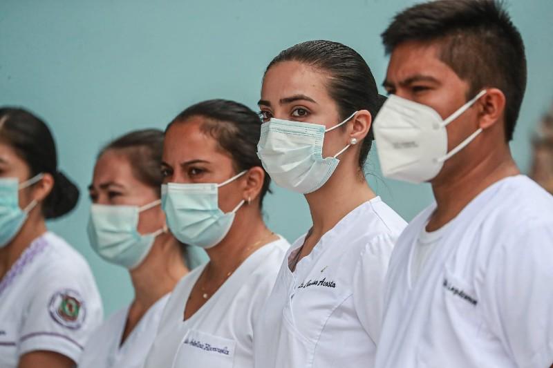 Pandemia en Paraguay - Profesionales De Blanco