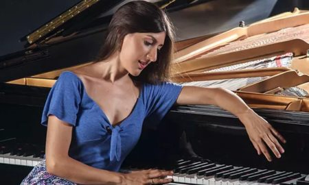 Chiara D´Odorico - Junto a su piano