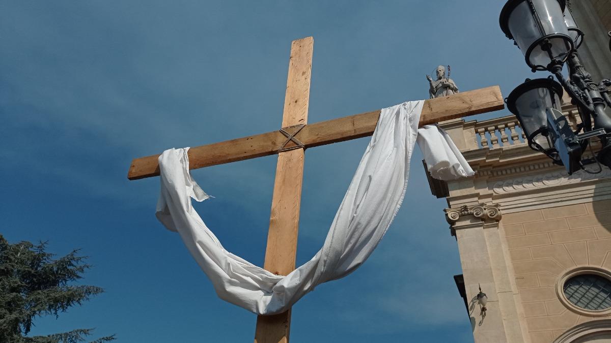 Pasqua-Crocifisso Pasqua