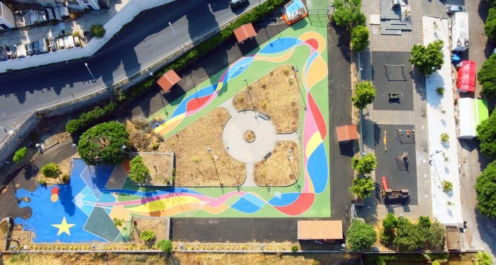 Piazza Don Bosco nella sua nuova veste multicolorata