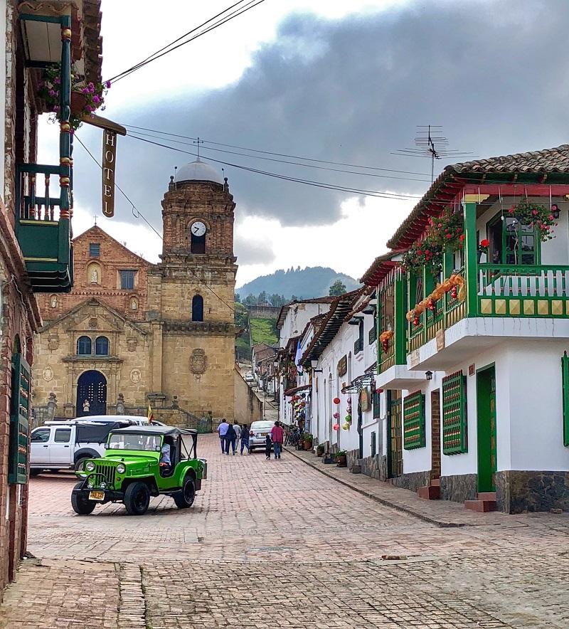 Monguí : Plaza Del Pueblo