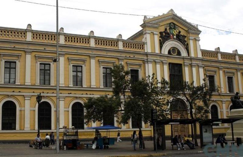 Elena - Universidad