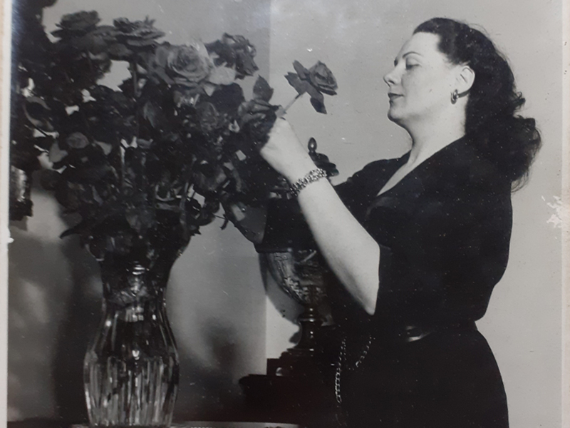 Laura Tanara - Soprano Renata