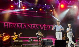 Hermanas Vera - En El Festival Chamame