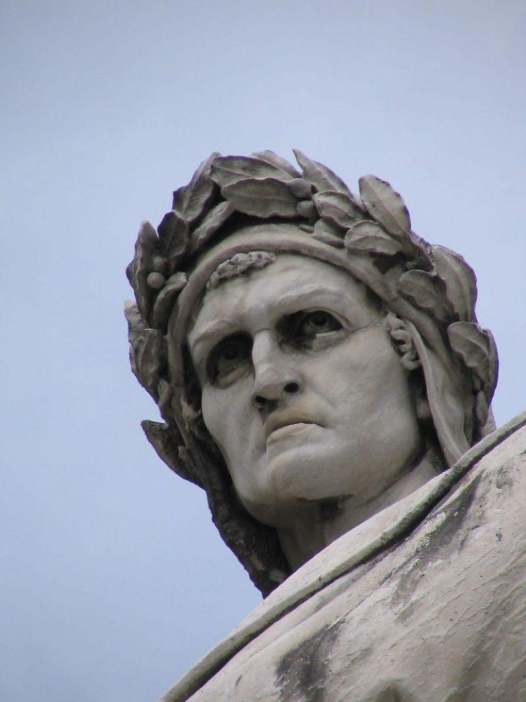 Dante Alighieri Estatua