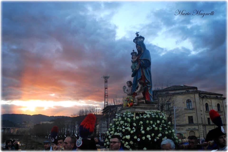 Madonna del Pilerio in processione