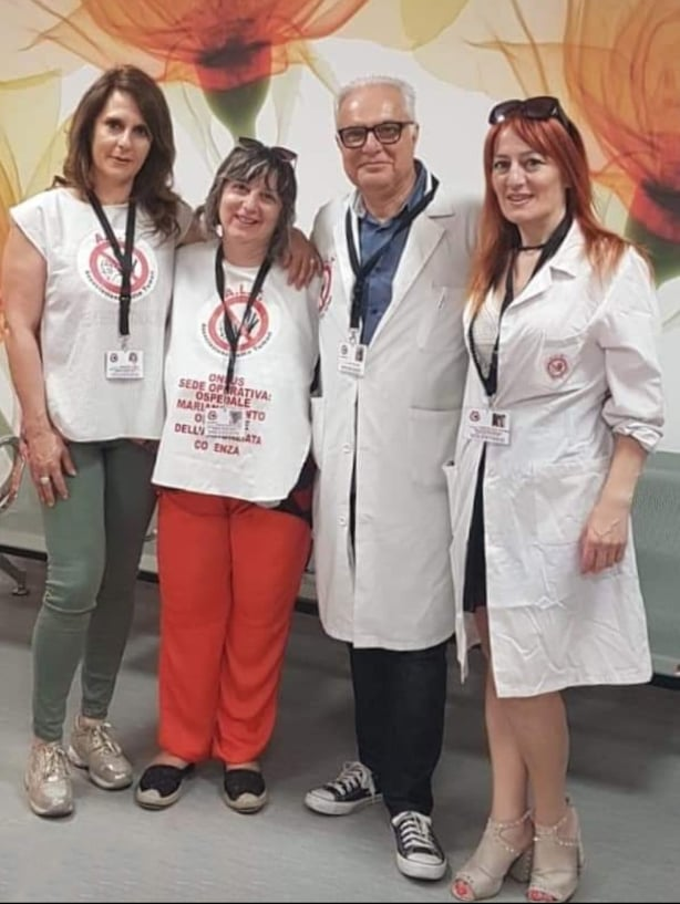 Volontari Alt associazione lotta tumori