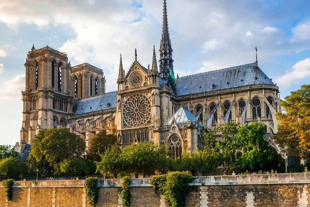 Cattedrale Di Notre Dame Di Parigi e livio de luca
