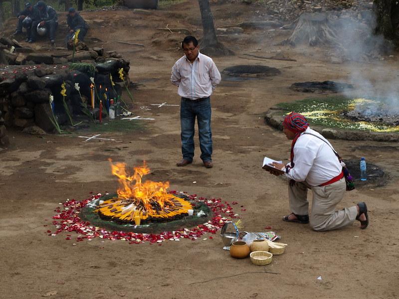 Iximche -  Ritual Maya