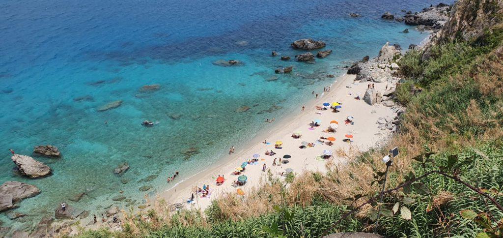 spiaggia di michelino vista dall'alto