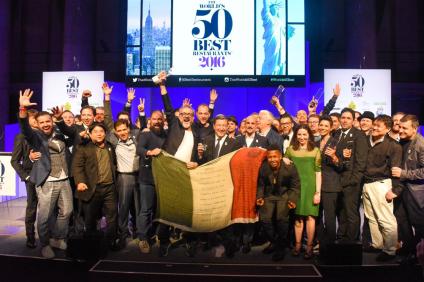 il miglior ristorante al mondo di Massimo Bottura. Un successo orgoglio di una nazione intera.