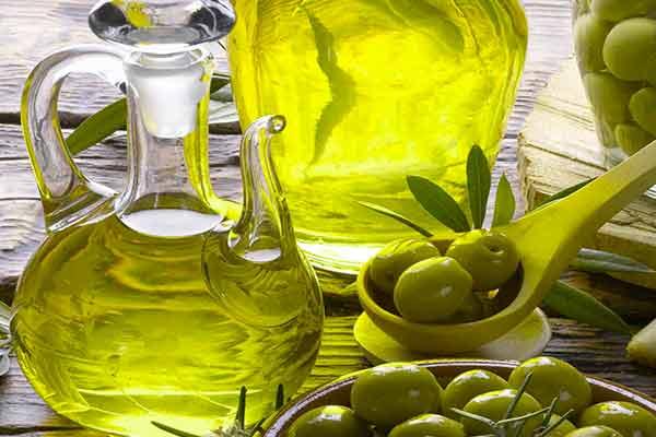 Olio extravergine di oliva: un piacere unico in Italia
