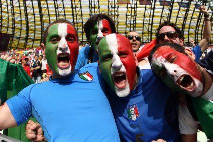 L'italiani e il calcio è una passione che il nostro popolo ha da decenni