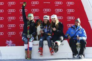 Il podio della sciatrice | festeggiamenti