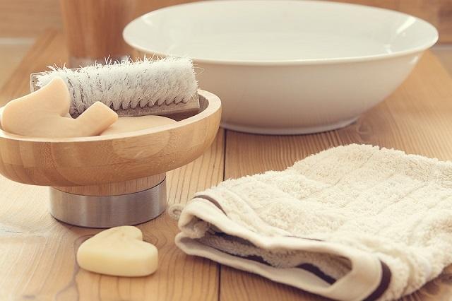 Basta una spazzola per esfoliare, energizzare, detossinare e combattere la cellulite