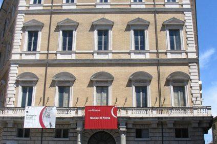 Palazzo Braschi si rifà il look per raccontare l'evoluzione della città eterna