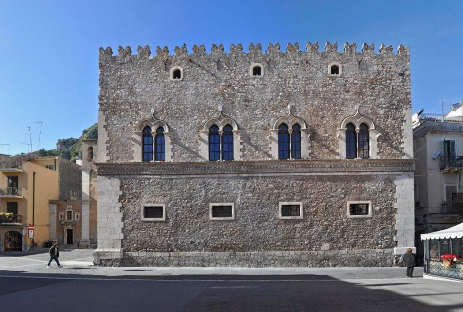 Nell'ambito della mostra «Unescosites Italian Heritage and Arts», sarà esposto a palazzo Corvaja.