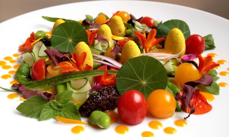 I fiori in tavola aiutano a seguire una dieta sana ed equilibrata