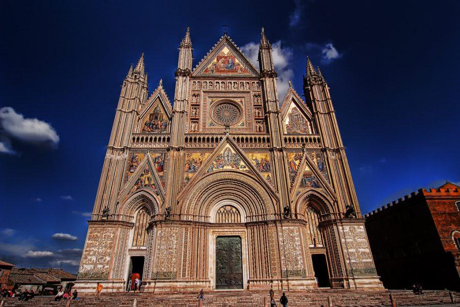 """Orvieto: """"la città alta e strana"""""""