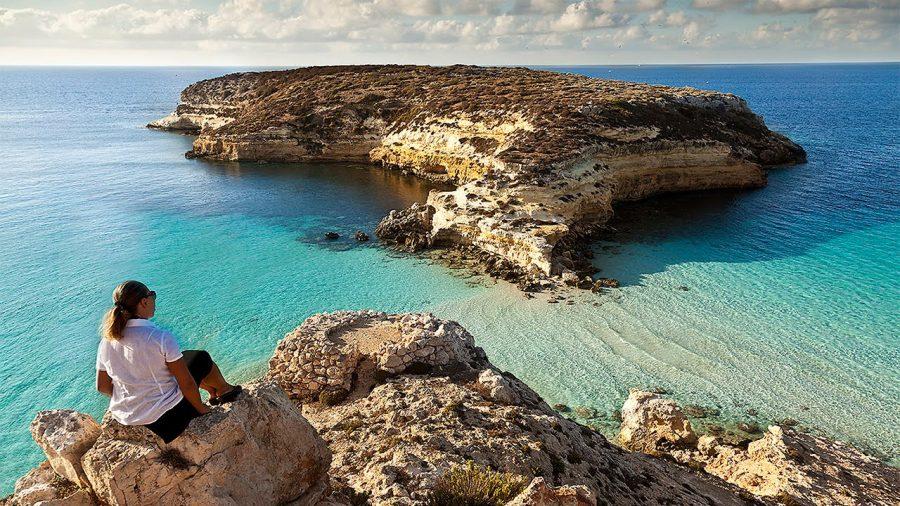 La baia dell'Isola dei Conigli di Lampedusa è riserva naturale