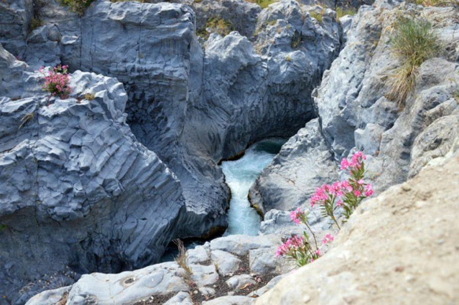 Sport e natura nei canyon lavici del Parco Fluviale dell'Alcantara