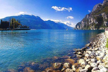 Lago di Garda: luogo scelto per il Lonato in Festival, rassegna di arte di strada