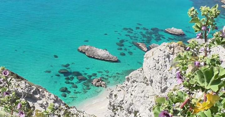 Da Tropea a Capo Vaticano, l'azzurro del Tirreno è protagonista delle vacanze anche a Settembre