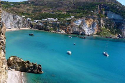 Ponza: la perla delle Isole Pontine ritrova il suo fascino nel mese di Settembre