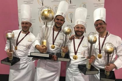 Gli azzurri Campioni del Mondo di pasticceria nel campionato organizzato dalla Federazione Internazionale Pasticceria
