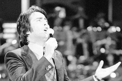 Una vita dedicata alla canzone romana, quella di Lando Fiorini, il quale si è spento all'età di 79 anni dopo una lunga malattia.