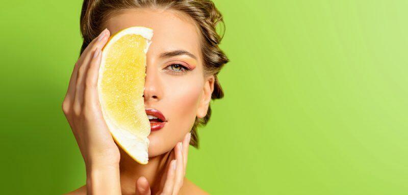 Combatti rughe e dermatiti con i cibi che fanno bene alla pelle