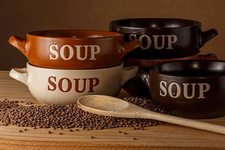 Mangiare le lenticchie e mangiarne tante, è l'input categorico della tavola di Capodanno.