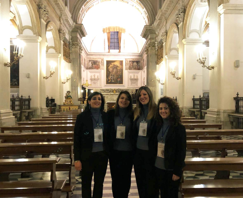 interno chiesa di Sant'Anna dei Lombardi