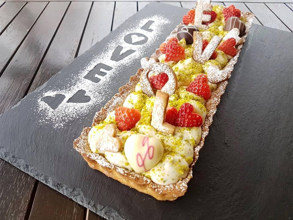 Crostata romantica con mascarpone e crema di pistacchio