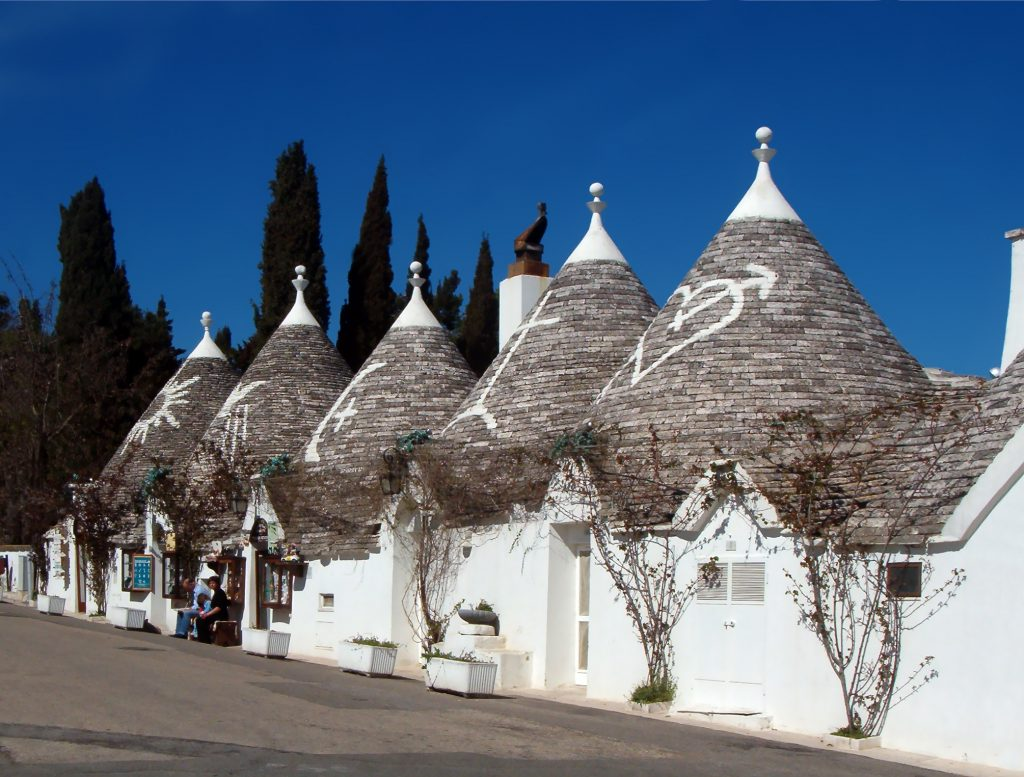In Puglia, non solo Monopoli: qui i trulli di Alberobello
