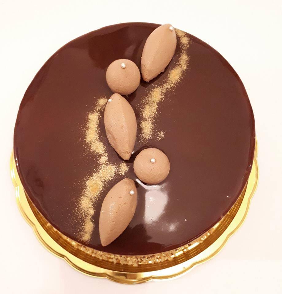 Torta Gianduia con glassa al cioccolato
