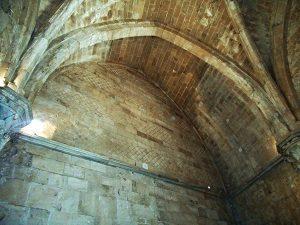 Castel del Monte - arcate ad oliva