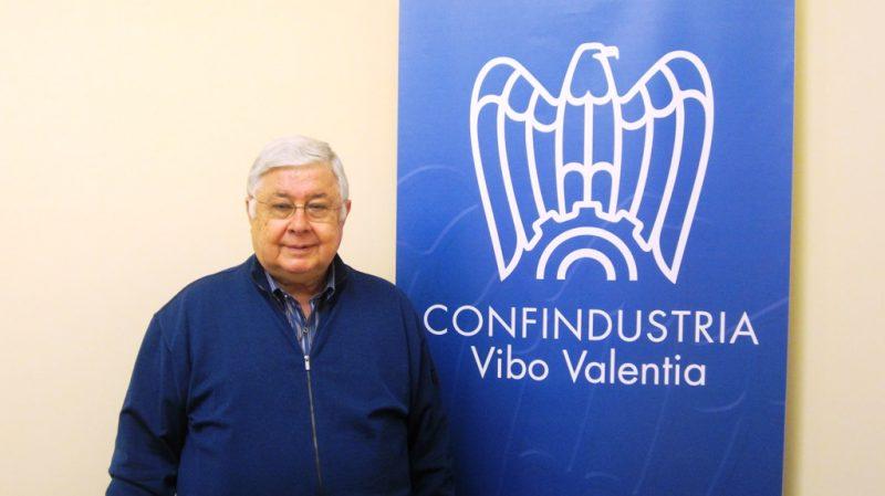 Pippo Callipo - Fonte: http://21righe.it/index.php/cronaca-per-ultime-notizie/3686-confindustria-vibo-assemblea-conclusa-pippo-callipo-presidente-all-unanimita