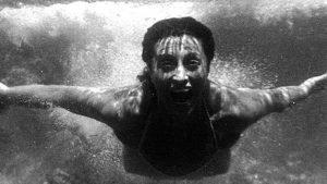 Anna Magnani in un tuffo