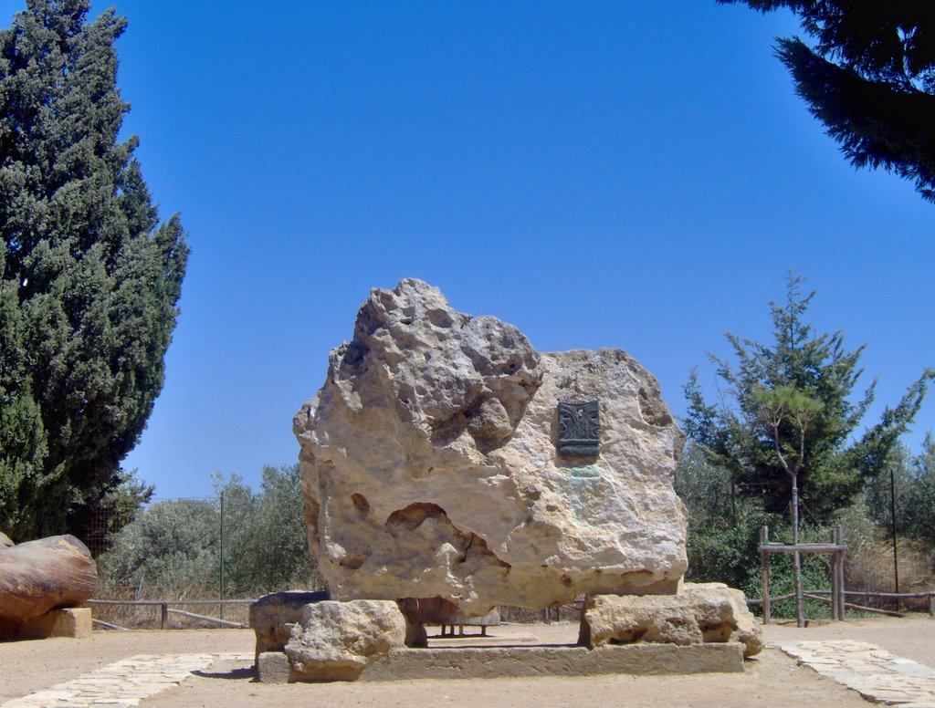 Tomba di Luigi Pirandello (Foto di mapio.net)
