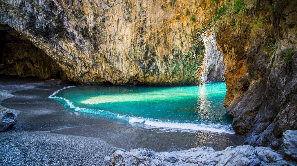 spiaggia dell'Arco Magno