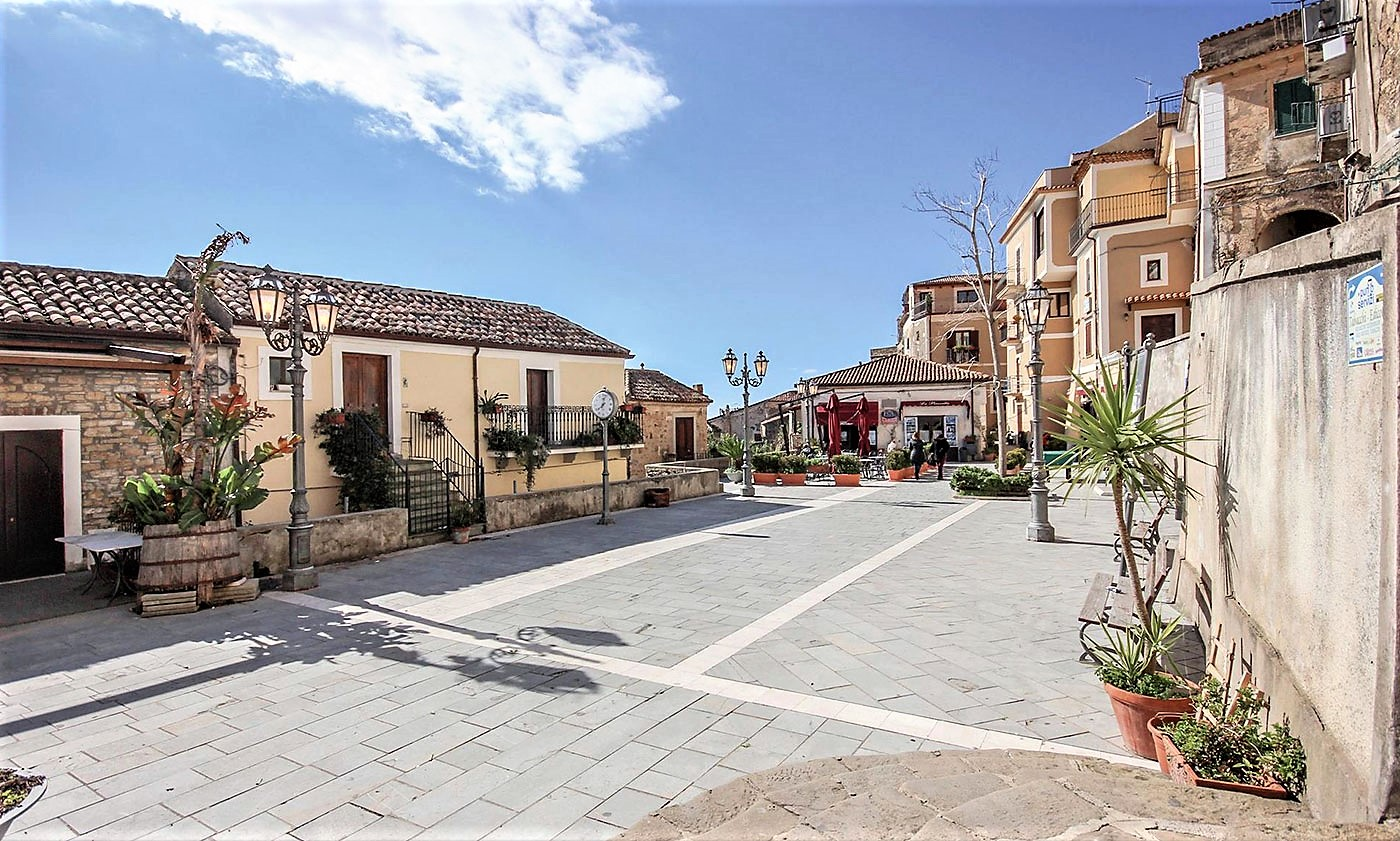 La piazzetta di Castellabate