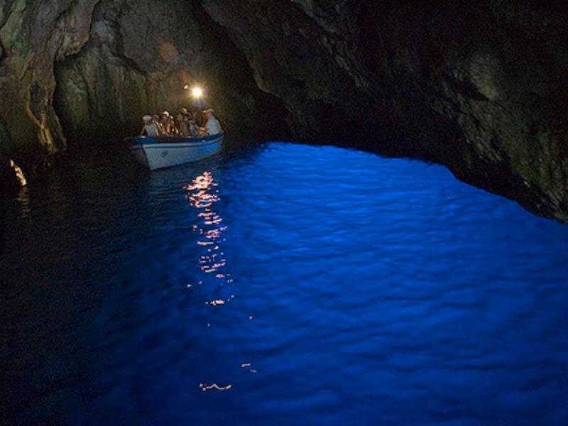 gioielli del Cilento - Grotta Azzurra - Palinuro