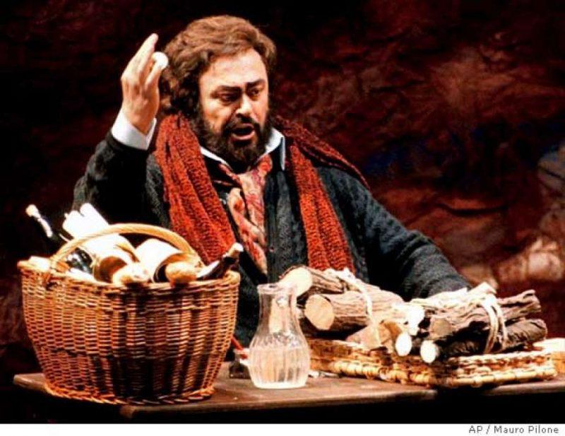 Pavarotti nei panni di Rodolfo nello spettacolo della Bohème a Torino nel gennaio 1996